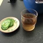 下野うどん草庵 - お茶とお新香