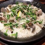イベリコバル・ディッチャ - アサリとしめじの塩パエージャ1000円