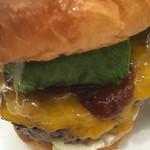 burger house UZU - 【イートイン】アボガドチーズバーガー(1,296円)