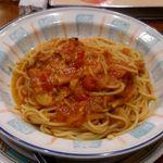 55789503 - トマトとニンニクのスパゲティ
