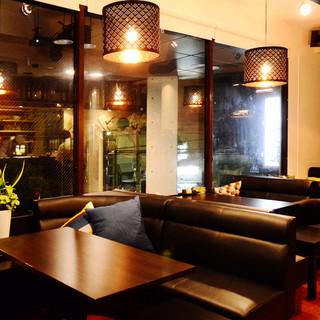 カジュアルな空間で堪能できる本格的な日本料理の数々!!