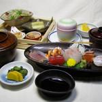 一福寿司 - 刺身定食1620円。