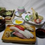 一福寿司 - 天にぎり定食2160円。