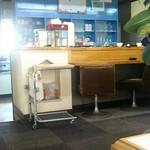 画廊喫茶ジャンル - 店内。