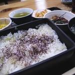 日本料理 岩戸 - しらすごはん