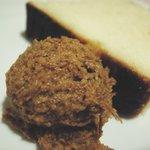 Dobro - 豆のパテとパン