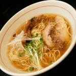 麺屋 義 - 義ラーメン(しょうゆ)(690円)2016年9月