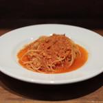 イタリアン アンド ワイン チャコール - 魚介のラグーとローストパン粉掛けのトマトソース☆