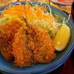 和食レストランとんでん - 良いいわしフライです。