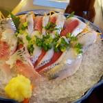 和食レストランとんでん - いわしの刺身です。