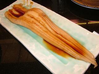 回し寿司 活 西武池袋店 - 穴子一本握り