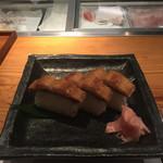 宮武 - 厳選鱧寿司 三貫 ¥1,080-