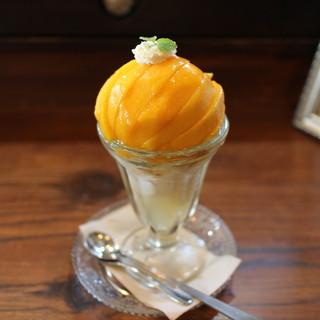 ジゅんベリーCafe - 料理写真:桃のパフェ(黄桃Ver.)☆