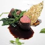 レストラン ローブ - 料理写真:夏鹿のロースト 赤ワインのソース クールジュ