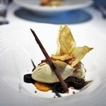 レストラン ローブ - ごちそう茄子のアイス タイムクリーム オレンジマーマレード チョコレート
