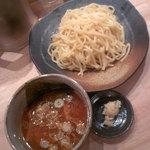 つけ麺屋 やすべえ - つけ麺(中盛・つぶし生にんにくW)500円通常780円(2016.9.7)