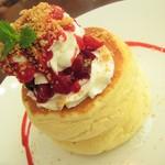 55818614 - 「ミックスベリーレアチーズパンケーキ」