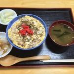 鳥正 - 親子丼(700円)