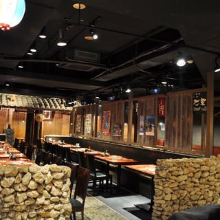 沖縄気分の雰囲気が味わえる店内です♪
