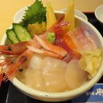 居酒屋 典典 - 具沢山の海鮮丼