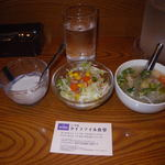55824232 - 最初にデザート・サラダ・スープが来た