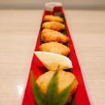 kasane - 【カマンベールチーズフライ】             サクっとした衣の中に濃厚なチーズがたっぷり。これは熱々トロリのうちに食べる方がいいです。なかなか美味。