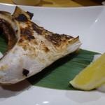 炉端魚姫 SAKAKI - ◆ぶりかま炭火焼(600円)・・炭火で丁寧に焼かれていました。       かま部分は脂がのっているので好きなのですが、これも程よい脂で美味しい。