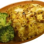 南インドの味 カレーリーフ - チキンティッカのこんがりチーズ焼き