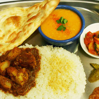 南インドの味 カレーリーフ - カレーが選べるディナーセット※ナンだけのセットもあります