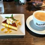 るべりえ - プリンとホットコーヒー