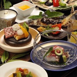 四季折々の豪華食材を愉しめる月替わりのコース