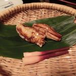 2016年8月:夕食…穴子黒米ずし(よそう前。2人分です)