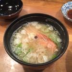寿司処おかだ - 生チラシ味噌汁(エビ頭)