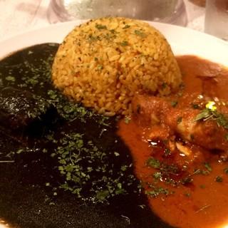 cafe 黒岩伽哩 - 黒(豚)赤(鶏)の合いがけ伽哩