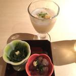 Sammaimesukegorou - 先付(海ぶどう、蛍烏賊沖漬け)と椀(吸とろろ、順菜)