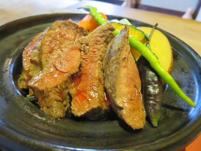粟 ならまち店 - 大和牛の陶板焼き(アップ)