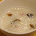 ダイラバ食堂 - ピータン豚肉がゆ