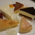 55856984 - 5種類のチーズケーキと紅茶で1620円