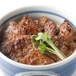 まる家 - 料理写真:炭火焼き豚丼(宮城野ポーク使用)