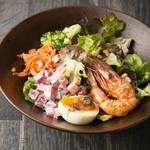 MEAL TOGETHER ROOF TERRACE - 料理写真:好きなトッピングを選べるカスタムサラダ