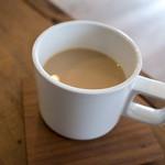 ペタニコーヒー - 「カフェオレ」(480円)。
