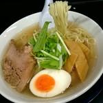 ラーメン屋 アスク ヒム - フライングメイヤーFRYINGMARE塩ラーメン690円