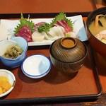 吉野茶屋 - 刺身御膳    1,700円                             番屋汁は別会計