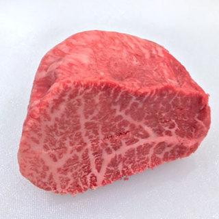 A4ランクのお肉を一枚一枚その場で切、1枚からご注文できます