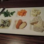 55873172 - チーズ盛り合わせ1030円