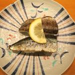沼津魚がし鮨 流れ鮨 - 201609 新さんま炙り2カン 400円