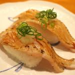 沼津魚がし鮨 流れ鮨 - 201609 太刀魚炙り2カン 200円