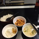 55874192 - ランチにデフォのお櫃ご飯、上海麻婆豆腐、玉子スープ