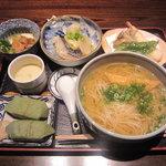5588073 - 弐の膳1500円柿の葉寿司(鯖・鮭)吉野本葛うどん、イチジクの茶碗蒸し、大鉢、小鉢、天ぷら