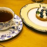 ハイドパーク - 紅茶 & マスカルポーネとブルーベリーのタルト ミルフィーユ